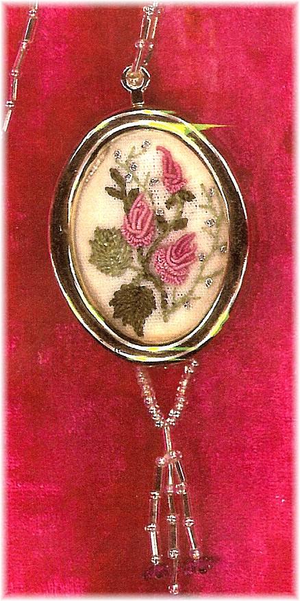 Rosebuds necklace